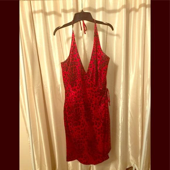 Maggie London Dresses & Skirts - Maggy London silk halter dress